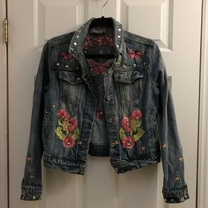 Beautiful Bagatelle embroidered jean jacket
